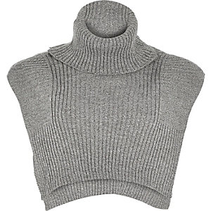 Grey knitted turtle neck mock collar