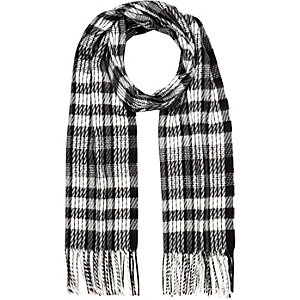 Black gingham tasselled scarf
