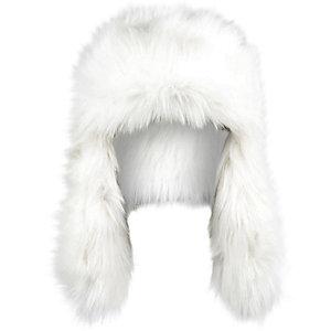 Cream faux fur trapper hat