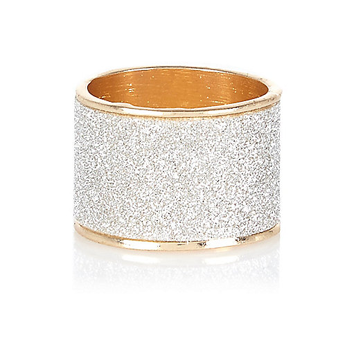 Gold tone oversized glitter ring