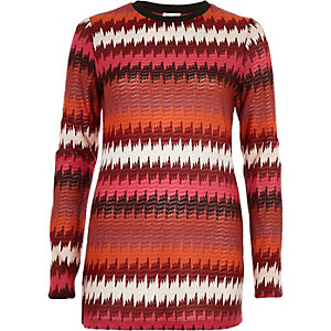 Dark red zig zag jacquard top