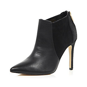 Black leather pointed heeled ankle boots