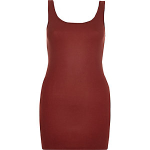 Rust scoop neck longline vest