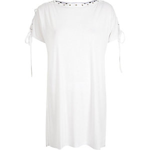 White eyelet side split t-shirt