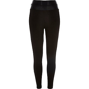 Black waist enhancer leggings