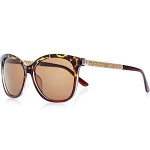 Brown tortoise wayfarer-style sunglasses