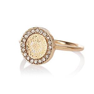 Gold tone filigree signet ring