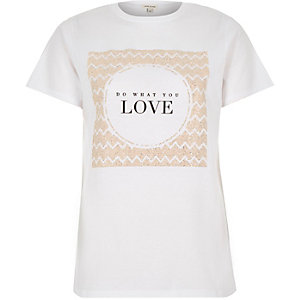 White textured love print fitted t-shirt