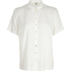 White short sleeve boxy shirt