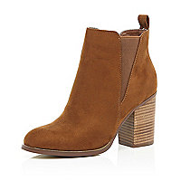 Tan heeled Chelsea ankle boots