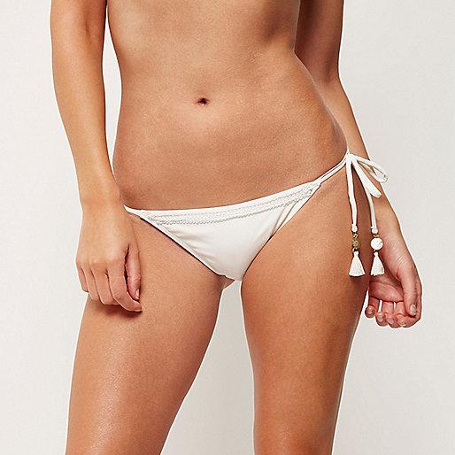 Bas de bikini crème avec liens à nouer sur les côtés