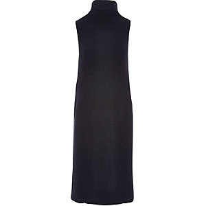 Dark blue knitted sleeveless tabard