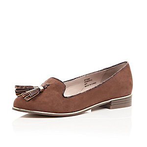 Light brown tassel slipper loafers