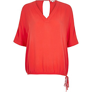 Red V-neck drawstring hem t-shirt