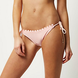 Light pink scalloped bikini bottoms