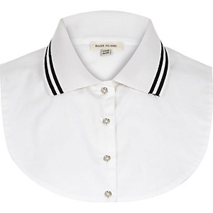 White tipped collar bib