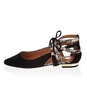 Black snake print pointed lace-up flat shoes