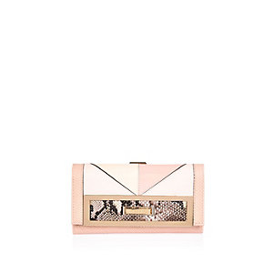 Light pink patchwork clip top purse