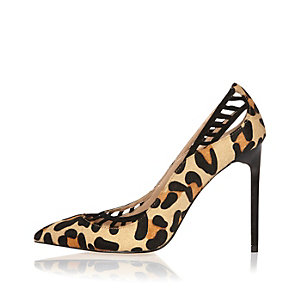 Brown leopard print lattice panel court heels
