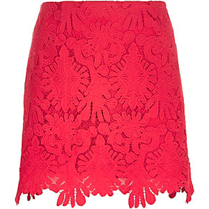 Red scalloped hem lace mini skirt