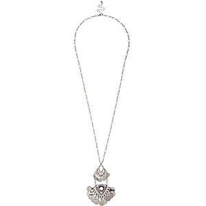 Silver tone coin pendant necklace
