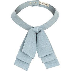Light wash denim collar bow