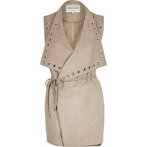 Beige eyelet sleeveless jacket