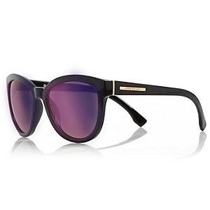 Black cat eye mirrored sunglasses
