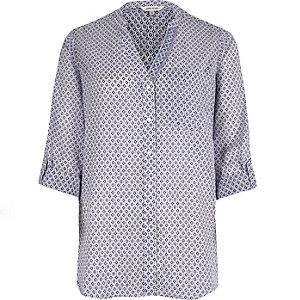 Purple print V-neck shirt