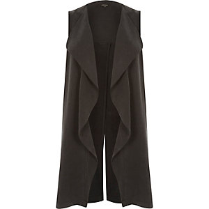 Black split back sleeveless jacket