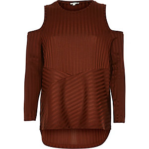 Rust brown ribbed cold shoulder top