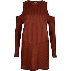 Rust brown ribbed cold shoulder tunic