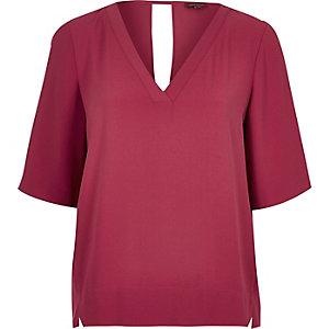 Dark pink V-neck t-shirt