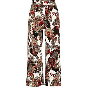 Red paisley print wide cropped pants