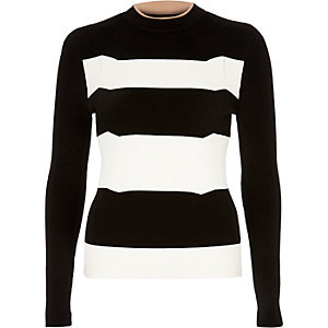 Black stripe knitted top