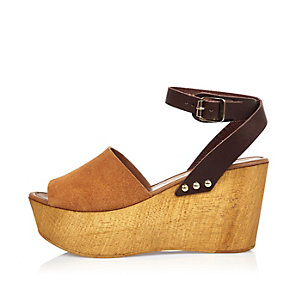 Brown leather wedge heel sandals
