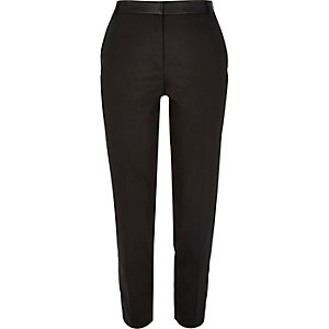 Black leather-look waist slim pants