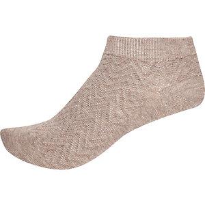 Beige zig zag sneaker socks