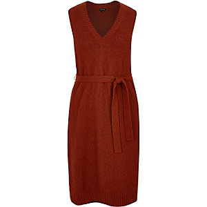 RI Plus rust brown knit tabard