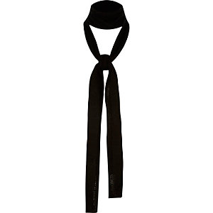 Black ribbed skinny scarf
