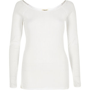White '90s super scoop long sleeve top