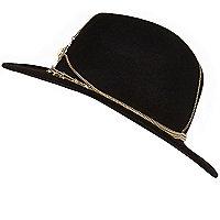 Chapeau de cow-boy noir avec galon chaîne
