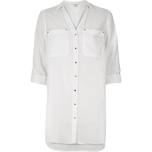 Weißes langes Hemd
