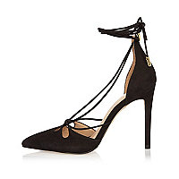 Chaussures à talons et lacets en cuir noir