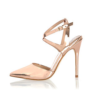 Metallic gold pointed court heels