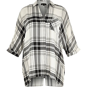 RI Plus white check split back shirt