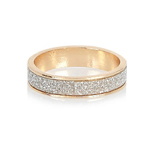 Gold tone glittery ring