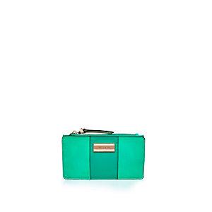 Green slim purse
