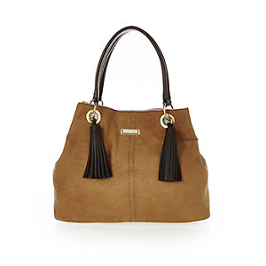 Light brown tassel bucket bag