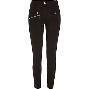 Black one zip skinny pants